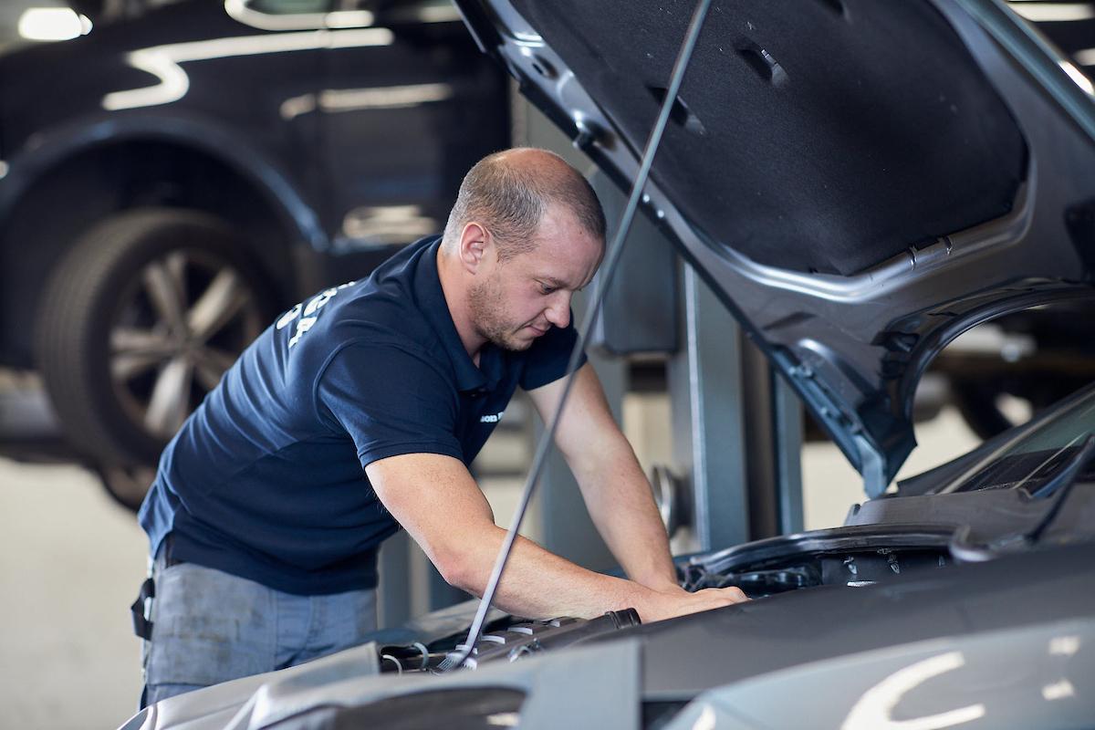 Löpande service och motorproblematik